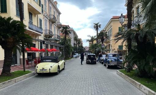 Bordighera: corso Italia si trasforma in una Montercarlo del dopoguerra per il set di una produzione francese (Foto)