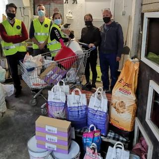 Anche i Rangers D'Italia in aiuto del gattile alluvionato di Ventimiglia: donato cibo, coperte e lettiere