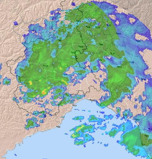 Allerta 'arancione' dalle 2 di questa notte: per ora le precipitazioni stanno interessando Piemonte e Lombardia