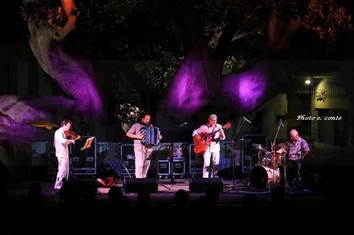 Bordighera: grande successo ieri sera all'Arena della Scibretta per l'ultima serata di 'Touscouleurs' (Foto e Video)