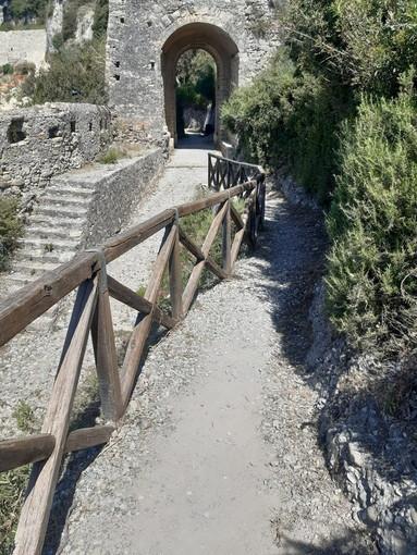 Ventimiglia: ripulita e sistemata l'antica Via Iulia Augusta, la soddisfazione del sindaco Scullino (foto)