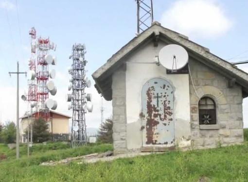 Dissequestrati gli apparati di Radio 103 sul Monte Faudo: ma intanto anche le altre emittenti hanno riacceso