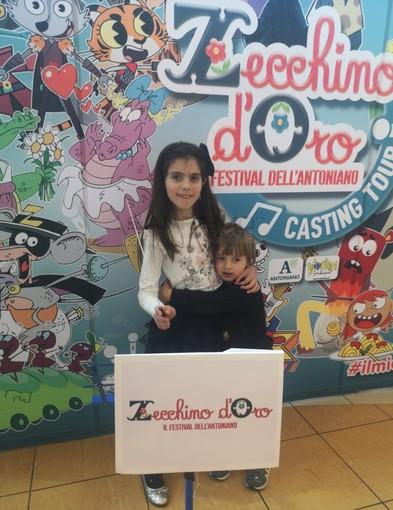 Rita Longordo (8 anni) con il fratellino Gabriele