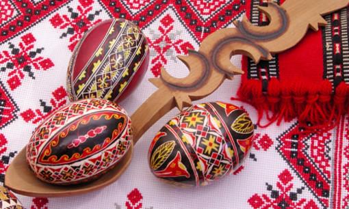 Oggi si festeggia la Pasqua nella comunità romena di Sanremo: usanze e piatti tipici