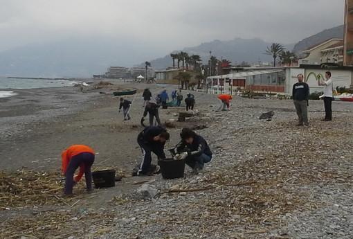Vallecrosia: moltissime le adesioni arrivate per la 'Rumentata di Primavera: puliamo le nostre spiagge'