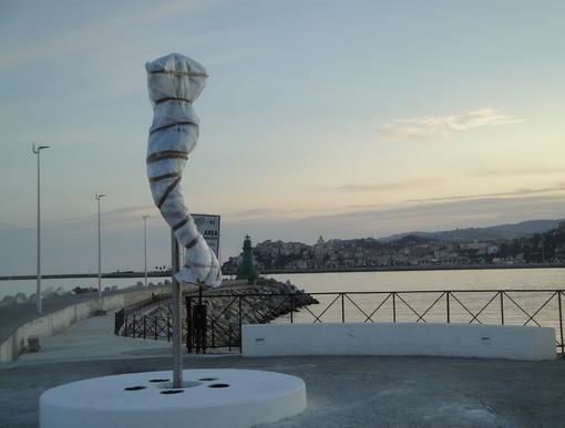 Imperia: questa sera alle 21.30 l'inaugurazione della 'Forma Sirena', la statua sul molo di Oneglia