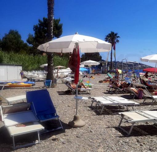 Sanremo: ancora non balneabile la 'Spiaggia dell'Antenna', i titolari chiedono un intervento immediato e per il futuro (Foto)