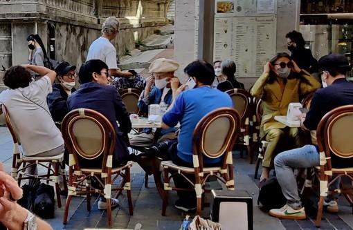 Sanremo: set fotografico per una casa di moda coreana questa mattina in via Matteotti (Foto)