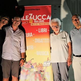 Riva Ligure: grande successo ieri sera per Bruno Gambarotta ospite della rassegna Sale in Zucca