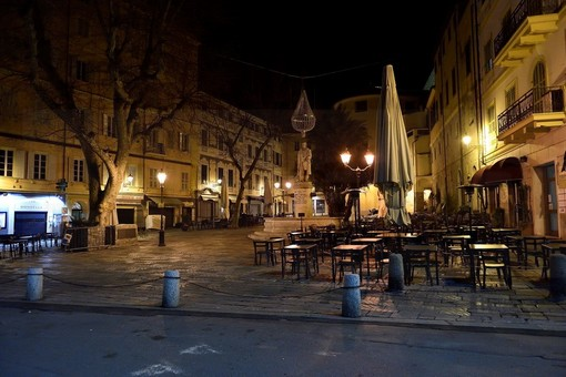 I bar di Sanremo salutano i loro ultimi clienti: da domani il caffè si prende da asporto (Video)