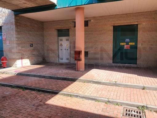 Taggia: ripulita la stazione ferroviaria dove c'era una cameretta, i servizi sociali stanno lavorando per gli aiuti (Foto)