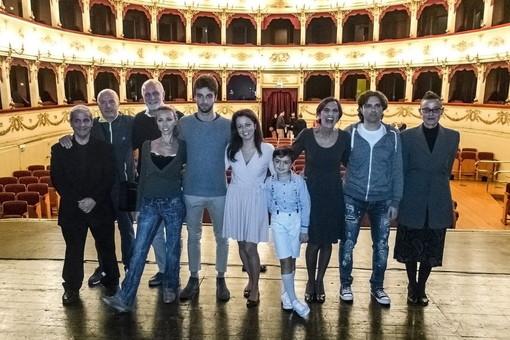 La Compagnia Teatrale 'I Cattivi di Cuore' torna con successo dal 72° 'Festival d'arte drammatica' di Pesaro