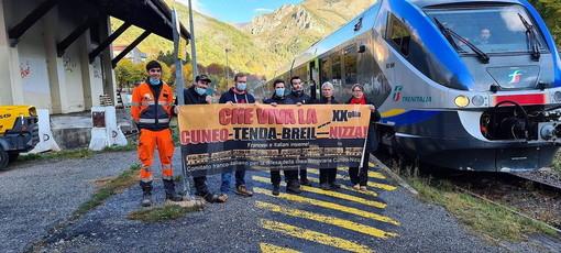 """L'arrivo del primo treno passeggeri di RFI a Tenda, dopo l'alluvione di inizio ottobre - PH NIVES LANDRA - GRUPPO FB """"Nel dipartimento della Stura-Cuneo"""""""