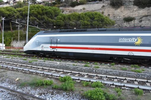 Trenitalia: in Liguria 3 milioni di persone in più scelgono il trasporto regionale, buone indicazioni anche dall'imperiese