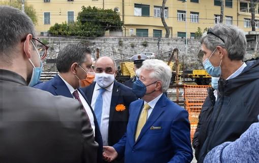 """Ventimiglia: colloquio informale Toti, Scullino e Caritas. Il presidente """"Se i numeri aumentano serve un centro di accoglienza"""""""