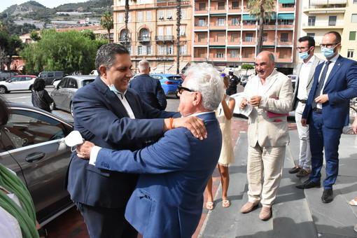 """Ventimiglia: visita del Presidente della Regione Toti """"Arrivano 6,5 milioni per i tre parcheggi sull'ex ferrovia"""" (Foto)"""