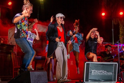 """La produzione del musical """"Tempo di Svalutation – Adriano Celentano Tribute Show"""" cerca due ballerine"""