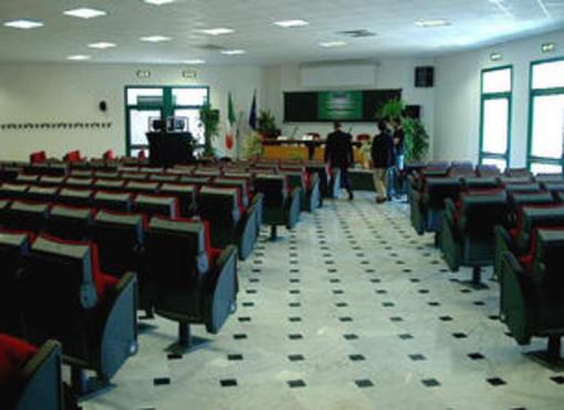 Processo ai 'furbetti del cartellino' di Sanremo, oggi la prima udienza all'università di Imperia