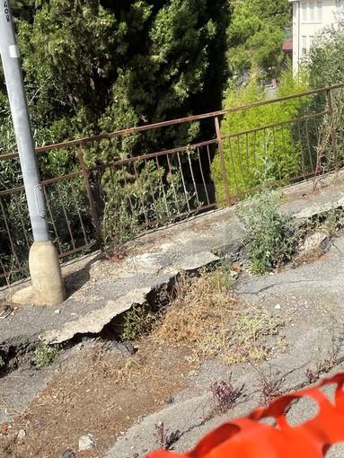 Sanremo: via Vallarino crolla ormai da 10 anni ma nessuno interviene, situazione al collasso (Foto)