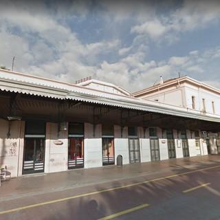 Sanremo: edificio della vecchia stazione ferroviaria, un lettore ne segnala il degrado