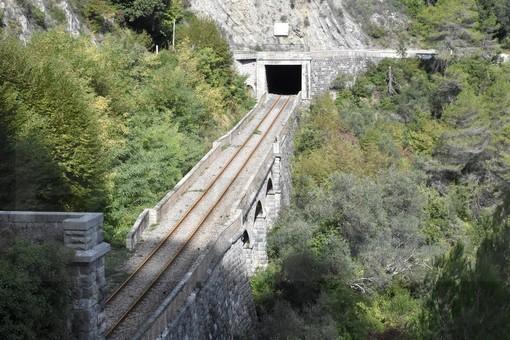 Buona la prima per il trasporto misto ferrovia-pullman, oggi tra Limone Piemonte e Ventimiglia