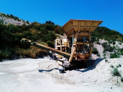 VAL Cenesi: un'azienda specializzata per ridare alla collina di Cisano sul Neva la sua antica forma