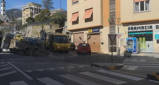 """Sanremo: ieri le richieste dei commercianti al Borgo, l'Assessore Trucco """"Aperti alla discussione ma tornare indietro sarebbe sbagliato"""" (Video)"""