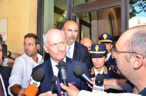 """Ventimiglia: emergenza migranti, il capo della Polizia Franco Gabrielli assicura """"Già pianificate operazioni per decomprimere la situazione"""""""