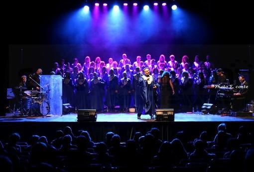 Bordighera: standing ovation ieri sera al Palazzo del Parco per il Concerto del 'Voices Gospel Choir' di Torino