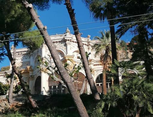 Ospedaletti: dopo i cartelli di messa in vendita il Sindaco Daniele Cimiotti fa chiarezza su Villa Sultana