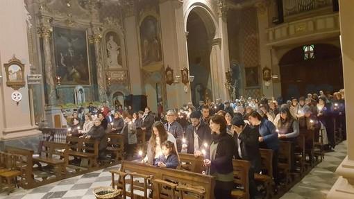 Pontedassio: grande partecipazione di fedeli ieri alla Veglia Pasquale con la Messa solenne (Foto)