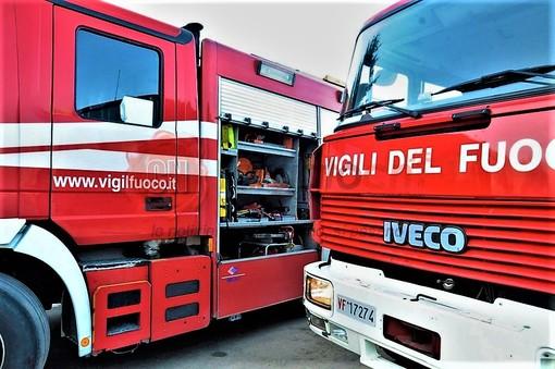 Tamponamento tra tre camion sulla A10: autostrada chiusa tra Savona e Albisola in direzione Genova