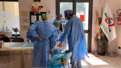 Sanremo: AstraZeneca invece di Pfizer ieri al Palafiori, molte le proteste tra i vaccinandi over 60 matuziani