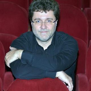 Il M° Vito Clemente dirige l'Orchestra sinfonica di Sanremo a Villa Ormond