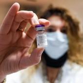 Obiettivo immunità: con questi ritmi di vaccinazione una copertura sufficiente non prima di 2 anni in Liguria