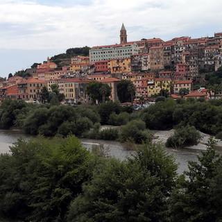 Ventimiglia: avevano occupato abusivamente un'abitazione nella città alta, intervento dei Carabinieri