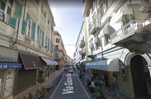 Le obsolete immagini di Google Street View in via Matteotti