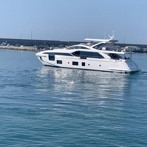 Dopo Celle Ligure Cristiano Ronaldo torna a Sanremo con Georgina e la famiglia su uno yacht a Portosole