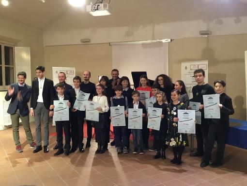 Due allievi pianisti dell'Associazione 'Scuola di Musica Città di Sanremo' alle prove del Concorso 'Young Artists Piano Competition'
