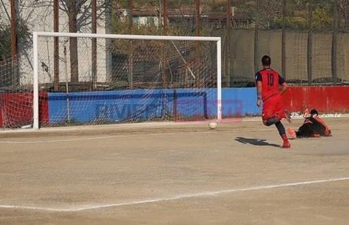 Francesco Zito segna una rete con la maglia del Camporosso (foto Eugenio Conte)