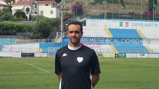 Nicola Ascoli, ormai ex allenatore della Sanremese