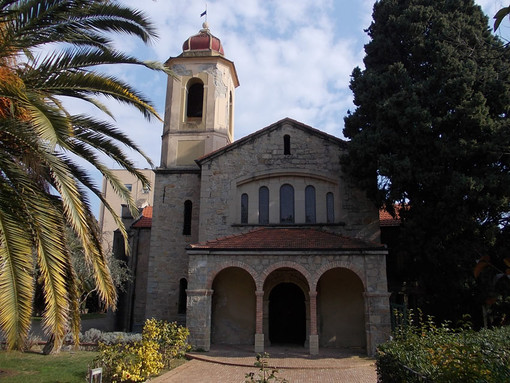 Bordighera: il 1° novembre all'ex Anglicana l'inaugurazione della mostra di pittura di Ionela Scripnic
