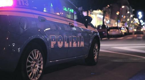 Ragazzini ubriachi, urla, risse e interventi della Polizia: Sanremo fa i conti con un triangolo 'movimentato' tra via Roma, via Gaudio e via Gioberti