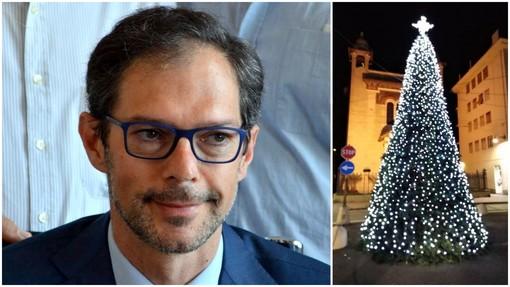 """Bordighera: l'albero di Natale è arrivato, il sindaco Ingenito replica a Trucchi sul ritardo """"Solo un problema logistico"""""""
