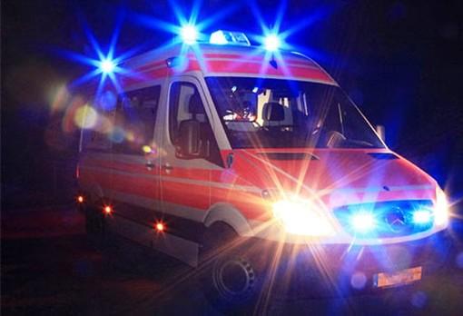 Vallecrosia: scontro auto-moto nella notte in via Aprosio, ventenne portato all'ospedale
