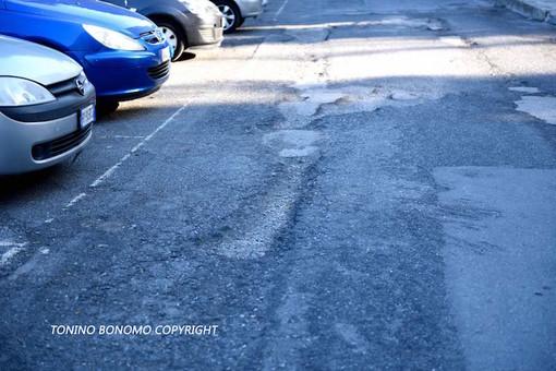 Sanremo: alta velocità in via Lamarmora e nessuna protezione per i pedoni, la denuncia di un lettore