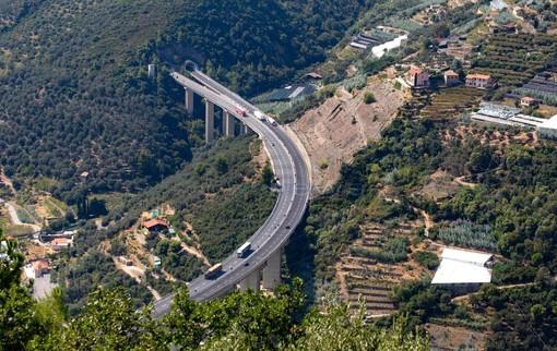 I cantieri sulle autostrade A10 e A6 tra il 21 e il 27 giugno