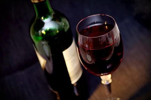 """Capodanno, l'invito di Coldiretti: """"Brindare al nuovo anno con con vino made in Liguria"""""""