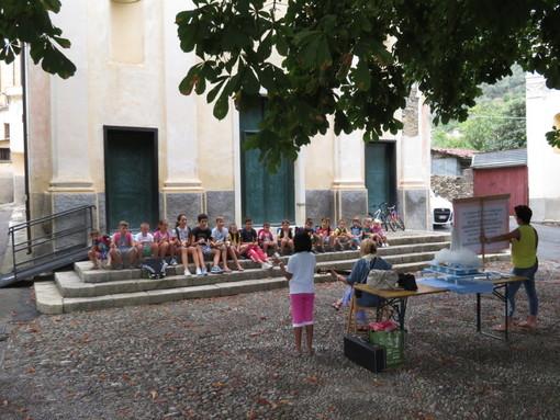 Inizia l'anno scolastico: benedizione degli zainetti e del materiale scolastico per i bambini di Villa Viani (foto)