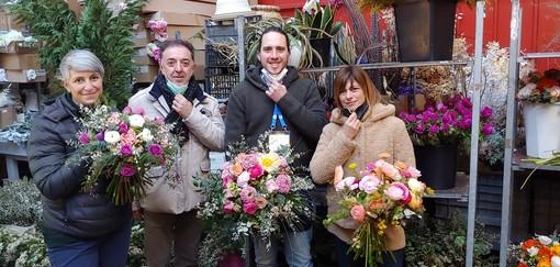 Al Festival di Sanremo ogni sera i bouquet delle fioriste del Mercato dei fiori portano in alto il nome della città (Foto)